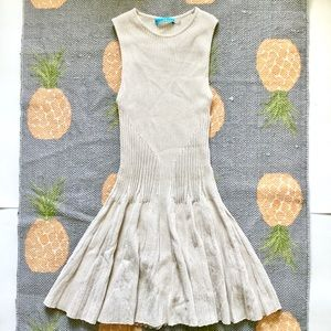 Alice + Olivia Cream Stretch Fit Flare Dress XS